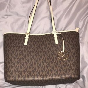 MK tote NEVER USED